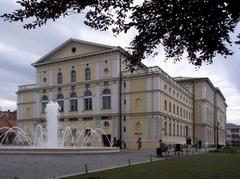 Zgrada HNK u Varaždinu danas, Photo Plovanić